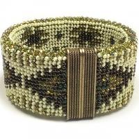 Brass Motifs Reversible Bead Crochet Bracelet